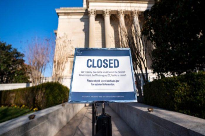 ΗΠΑ: Το υπ. Εμπορίου δεν θα δημοσιοποιεί οικονομικά δεδομένα όσο διαρκεί το shutdown