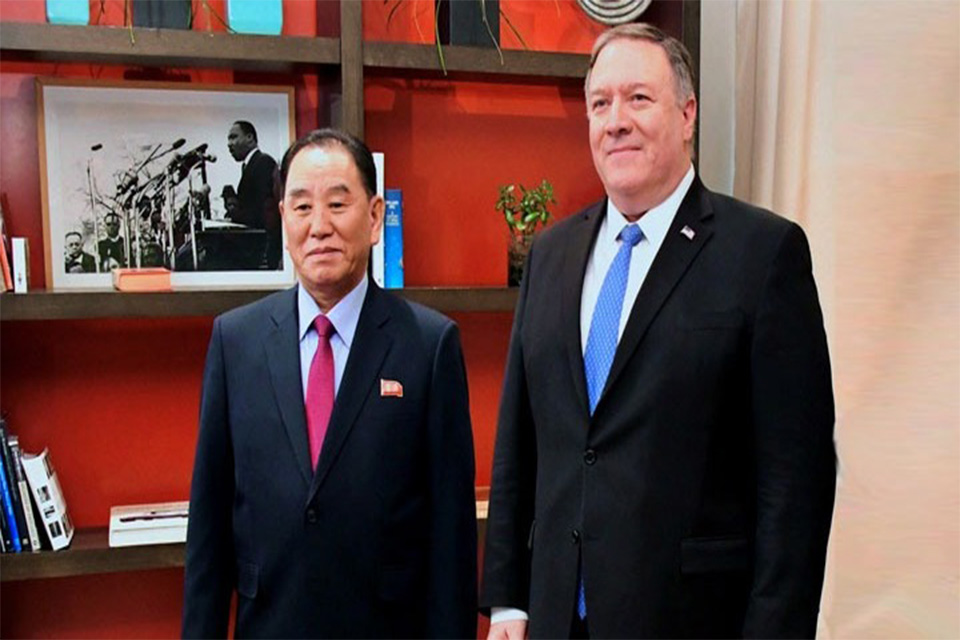 Αμερικανός υπουργός Εξωτερικών Μάικ Πομπέο και ο Κιμ Γιονγκ Τσολ