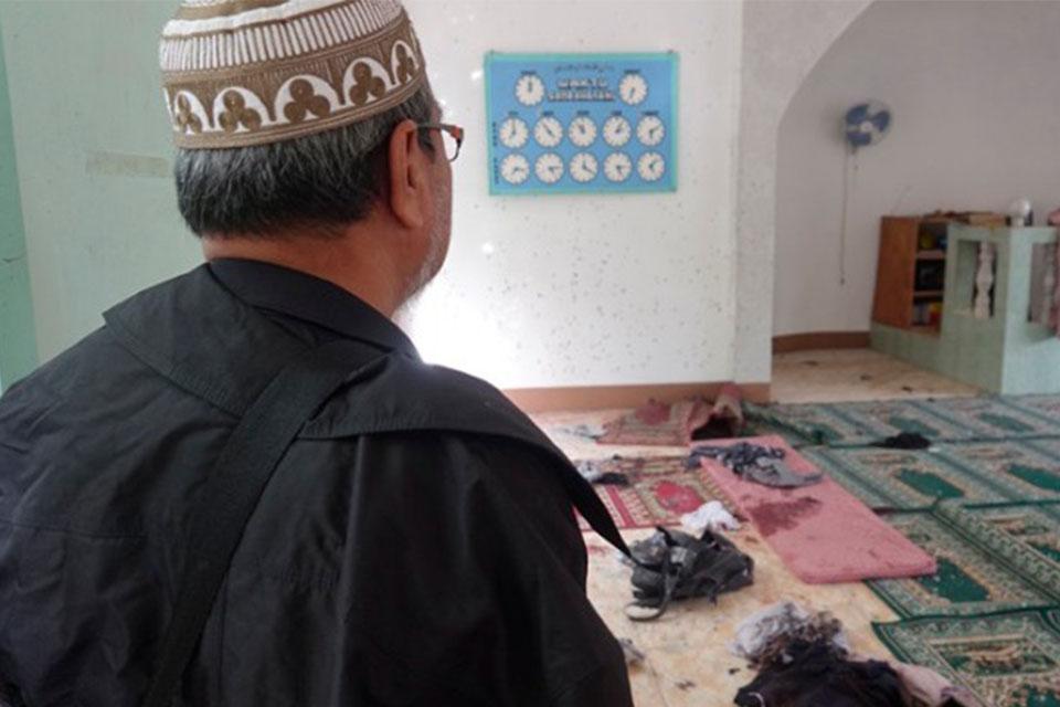 Δύο νεκροί από επίθεση με χειροβομβίδα εναντίον τεμένους