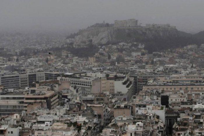 Νέα κακοκαιρία από σήμερα με αφρικανική σκόνη και λασποβροχές