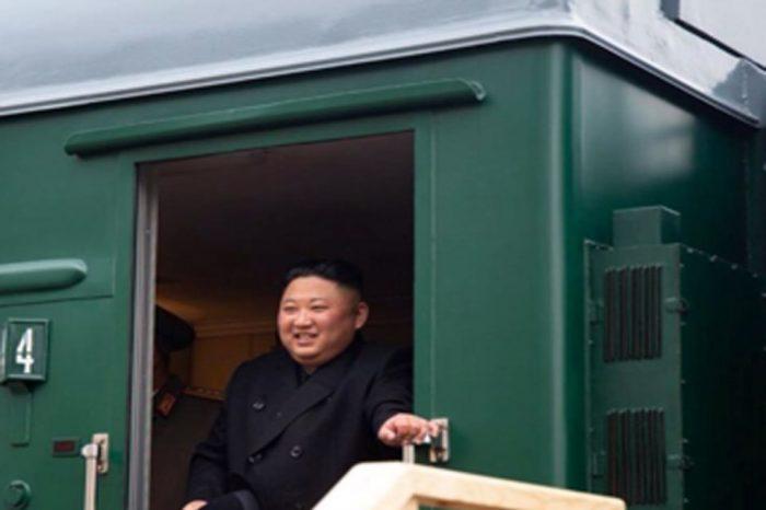 Ο  Βλαντίμιρ Πούτιν στο Βλαδιβοστόκ για την συνάντηση κορυφής με τον ηγέτη της Βόρειας Κορέας, τον Κιμ Γιονγκ Ουν