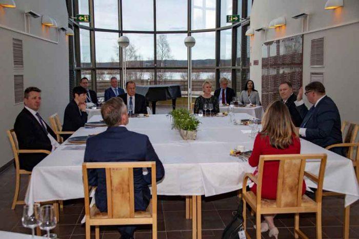 Ανοιχτό το ενδεχόμενο μιας συνάντησης Πούτιν- Τραμπ, δηλώνει ο Λαβρόφ