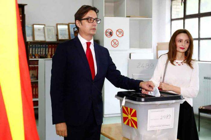 Ο υποψήφιος του κυβερνητικού συνασπισμού, Στέβο Πεντάροφσκι προηγείται