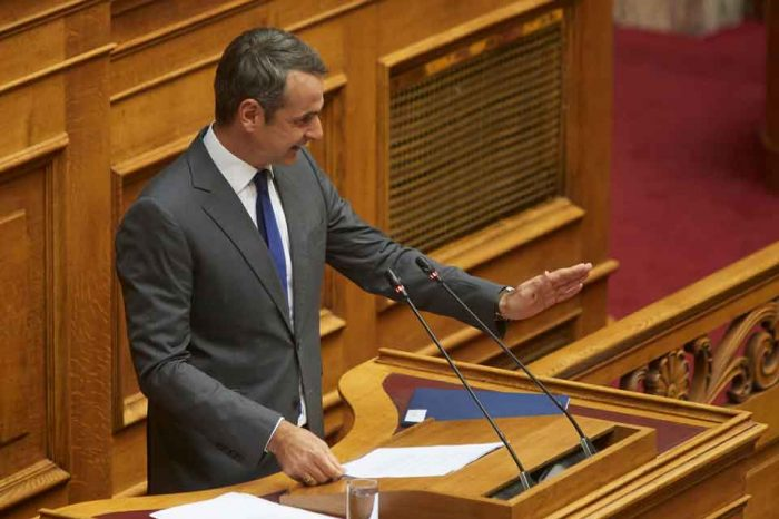 Καταθέτουμε πρόταση μομφής κατά του Παύλου Πολάκη γιατί με την πολιτική του συμπεριφορά έχει υπερβεί κάθε πολιτικό και δημοκρατικό όριο
