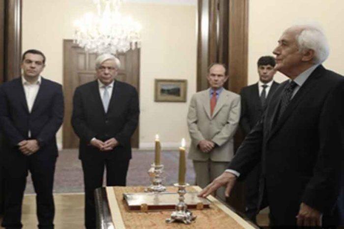 Ορκίστηκε  ο Αντώνης Ρουπακιώτης ως υπηρεσιακός υπουργός Εσωτερικών