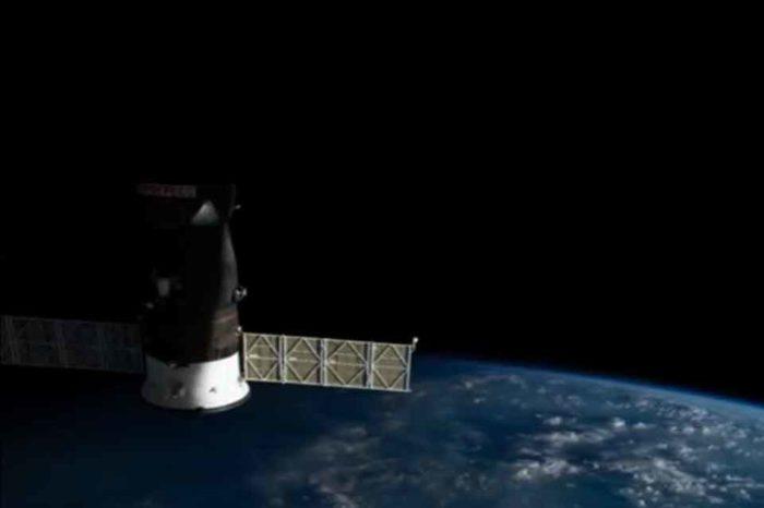 H πτήση του Διεθνούς Διαστημικού Σταθμού πάνω από τη  Γη