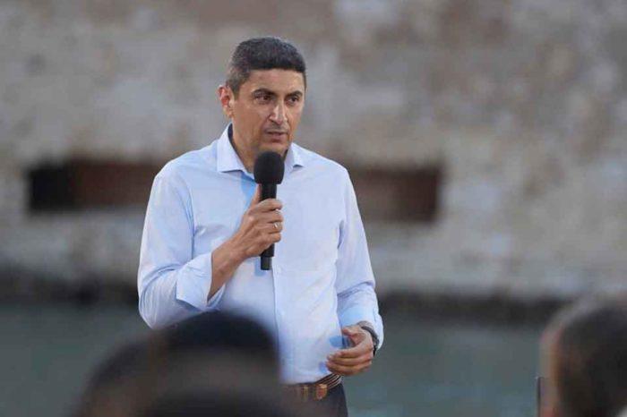 Η έλευσή σας εδώ μας δίνει ελπίδα και κουράγιο γιατί στο πρόσωπό σας όλη η ελληνική κοινωνία, και βέβαια όλη η Κρήτη έχει στηρίξει τις ελπίδες της