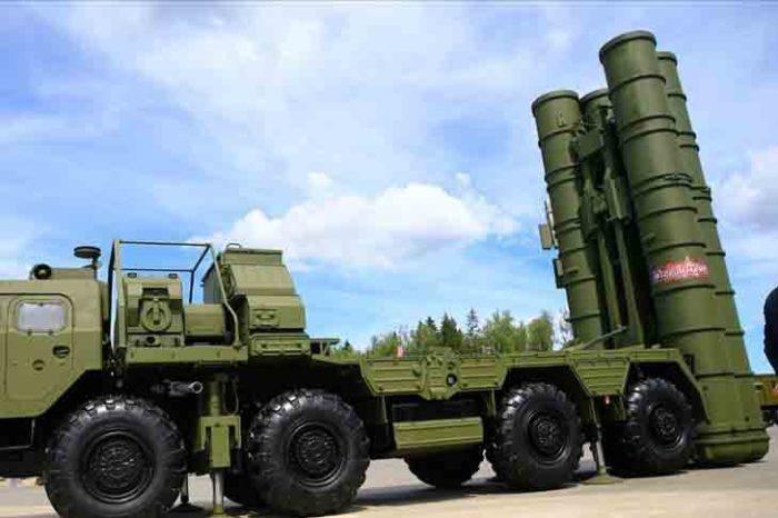 Ξεκίνησε η παραλαβή συστημάτων αντιπυραυλικής άμυνας S-400 άρχισαν από την Τουρκία