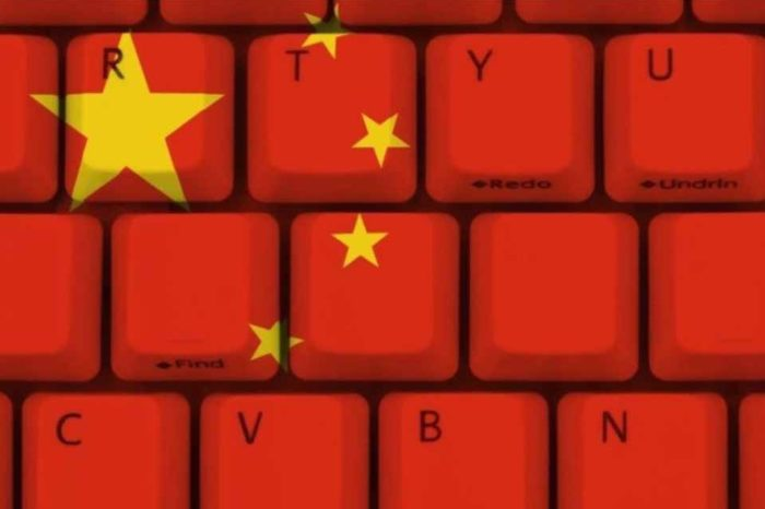 Η Κίνα στέλνει μήνυμα πως όλα τα όπλα είναι στο τραπέζι