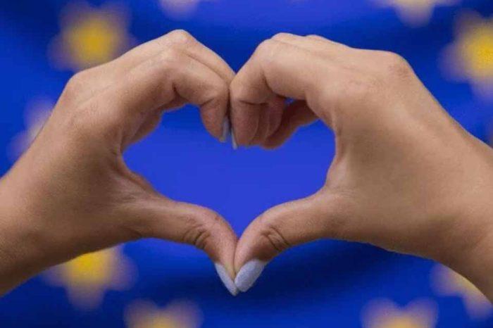 Στήριξη  στο Ευρώ και την Ευρώπη