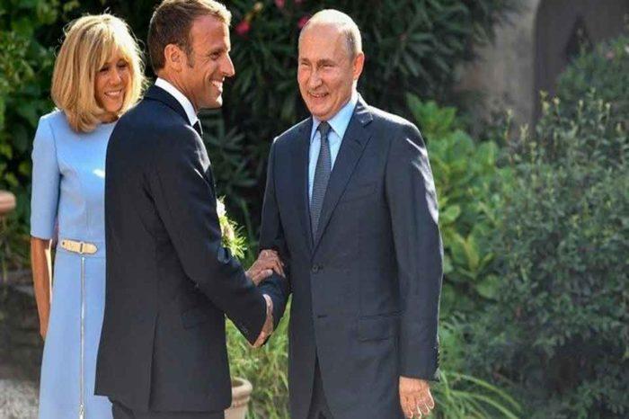 Ο πρόεδρος της Γαλλίας Εμανουέλ Μακρόν δέχτηκε τον Ρώσο ομόλογό του, Βλαντιμίρ Πούτιν