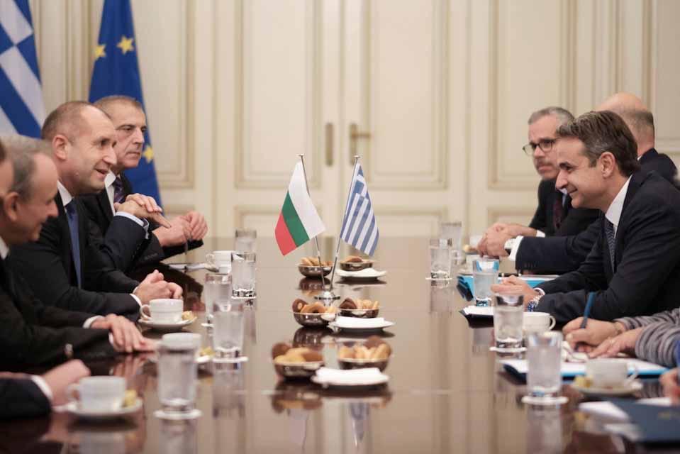 Ο πρωθυπουργός Κυριάκος Μητσοτάκης είχε το απόγευμα συνάντηση  με τον Πρόεδρο της Βουλγαρίας Ρούμεν Ράντεφ.