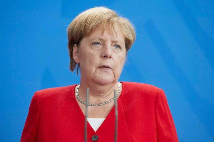 Έκκληση για προσήλωση στην δημοκρατία απηύθυνε , η Άγγελα Μέρκελ