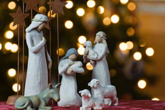 Ο εορταστικός στολισμός τα Χριστούγεννα στην Αθήνα