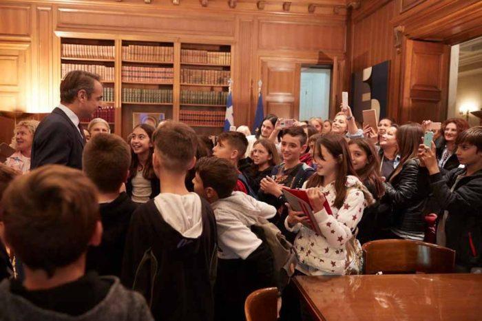 Μια ευχάριστη έκπληξη , επιφύλαξε ο  Πρωθυπουργός σε μαθητές