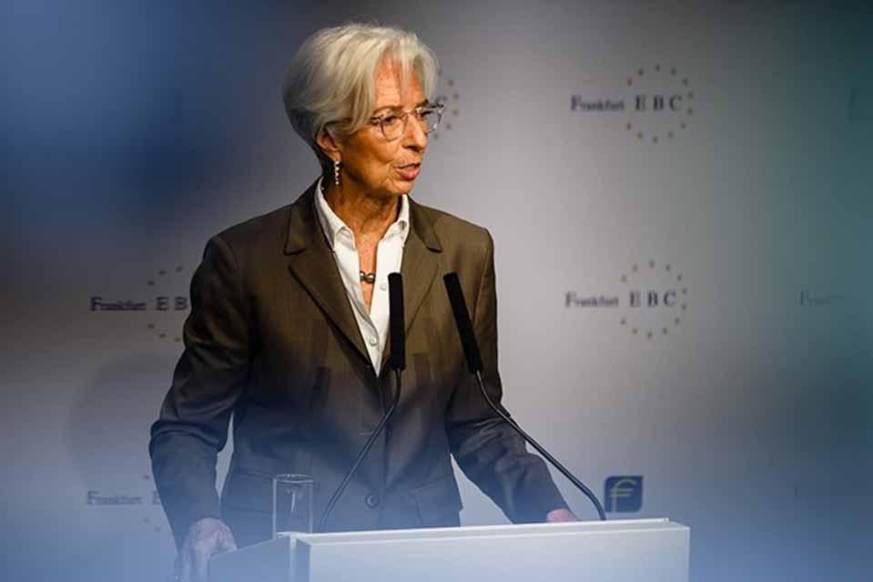 Κριστίν Λαγκάρντ : Η ευρωζώνη χρειάζεται να ενισχύσει την εγχώρια ζήτηση μέσω μεγαλύτερων δημόσιων επενδύσεων