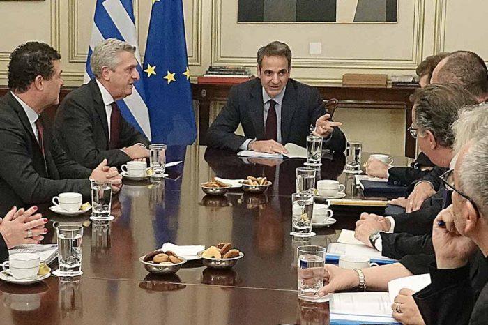 H συνάντηση του Πρωθυπουργού, με τον Ύπατο Αρμοστή του ΟΗΕ για τους Πρόσφυγες F