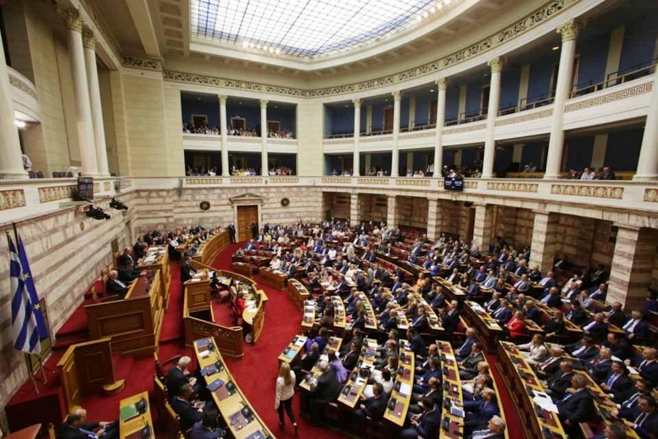 Βουλή: Υπερψηφίστηκε από την Ολομέλεια ο νέος εκλογικός νόμος