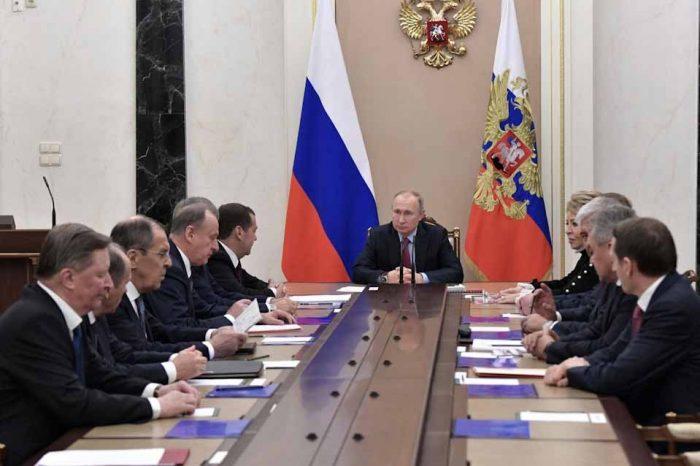 Σύσκεψη Πούτιν, με  τα μέλη του Συμβουλίου Ασφαλείας της Ρωσίας