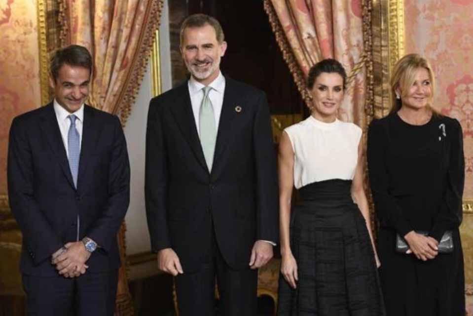 Ο πρωθυπουργός στο Λονδίνο, στην επετειακή Σύνοδο Κορυφής του ΝΑΤΟ