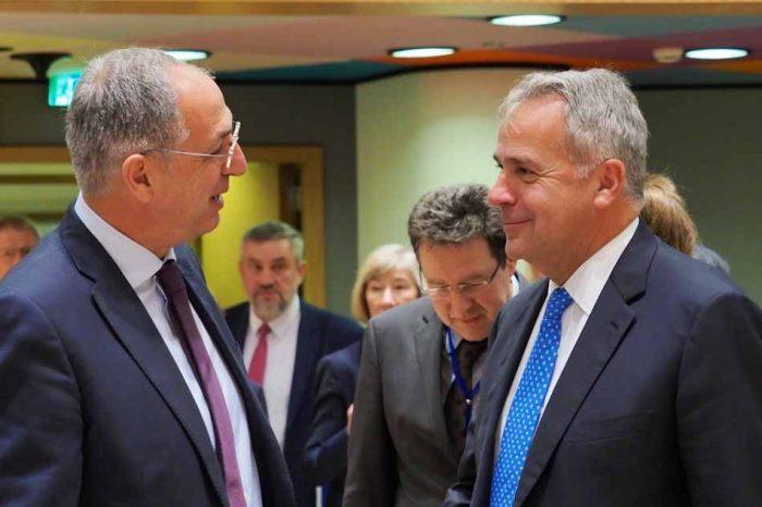 Ο Μάκης Βορίδης έθεσε στις Βρυξέλλες το ζήτημα των παράνομων ελληνοποιήσεων