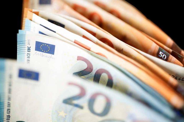 Θεσπίζεται επίδομα γέννησης ύψους 2.000 ευρώ