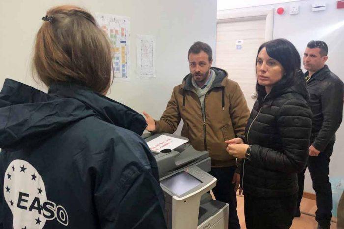 Νίνα Γκρέγκορι: Επιτάχυνση των διαδικασιών ασύλου