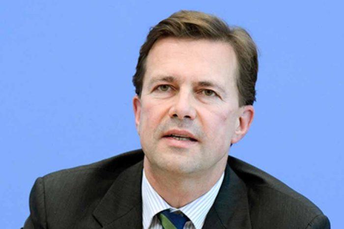 Steffen Seibert : Η Άγκυρα φέρει την ευθύνη που οδήγησε αυτούς τους απελπισμένους ανθρώπους σε αδιέξοδο