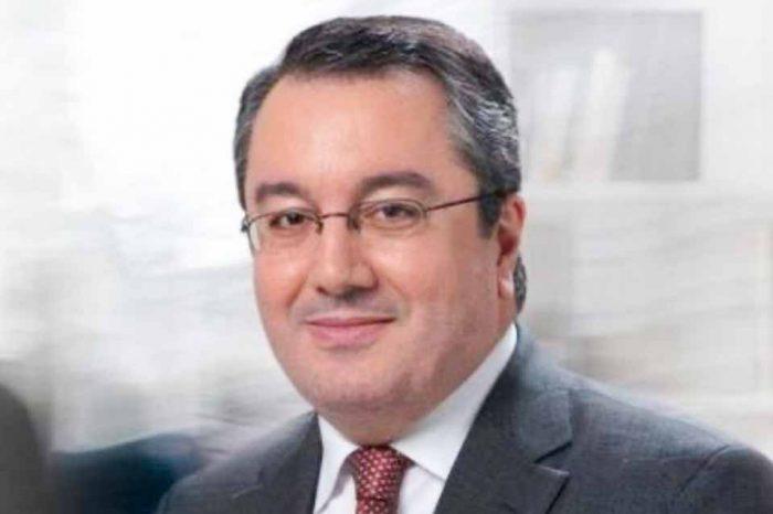 Ο Ηλίας Μόσιαλος ορίζεται εκπρόσωπος της ελληνικής κυβέρνησης στους διεθνείς οργανισμούς για τον COVID19