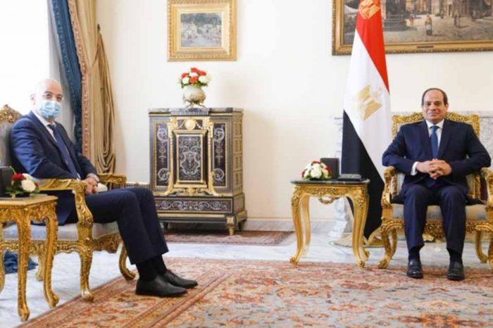 Ο Νίκος Δένδιας έγινε δεκτός από τον πρόεδρο της Αιγύπτου, Αμπντέλ Φατάχ Αλ Σίσι