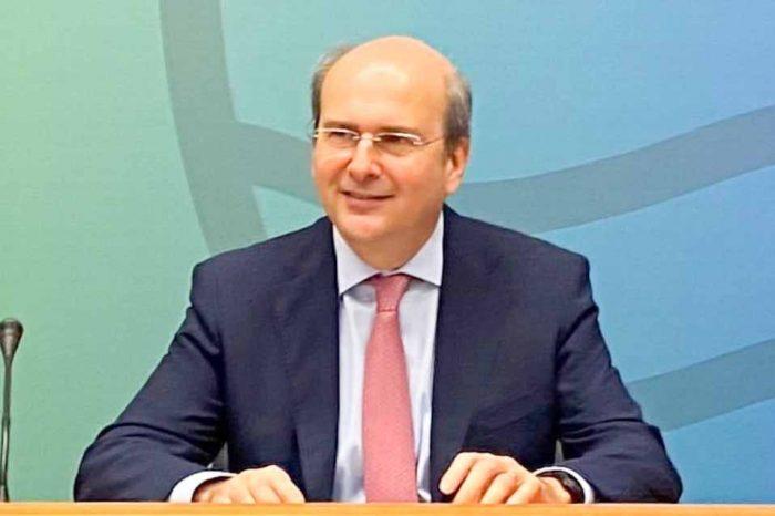 Κωστής Χατζηδάκης: Στο πάρκο Τρίτση   3 εκατ. € από το Πράσινο Ταμείο