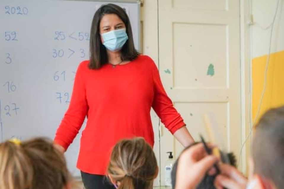 Σχολεία των περιοχών Κορινθίας και Αρκαδίας επισκέφθηκε η υπουργός  Νίκη Κεραμέως