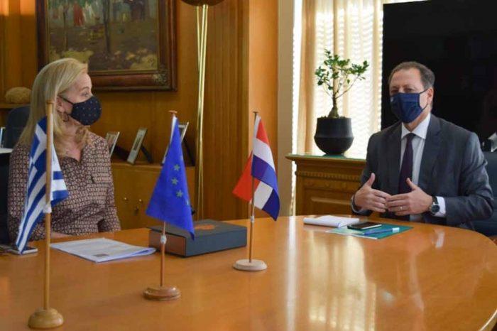 Συνάντηση, Σπήλιου Λιβανού με την Πρέσβειρα Stella Ronner-Grubačić